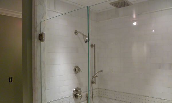 Custom Glass Shower Enclosures in Pomona Valley, California.